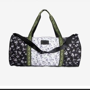 New VS duffle bag/weekender